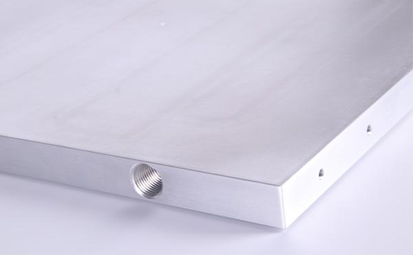 铝型材散热器为何要进行阳极氧化?