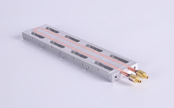 水冷板为什么主要用于电动车电池包温度管理系统